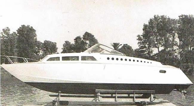 Cantieri navali Delta Fiumicino - Barca carena step-drive di Levi