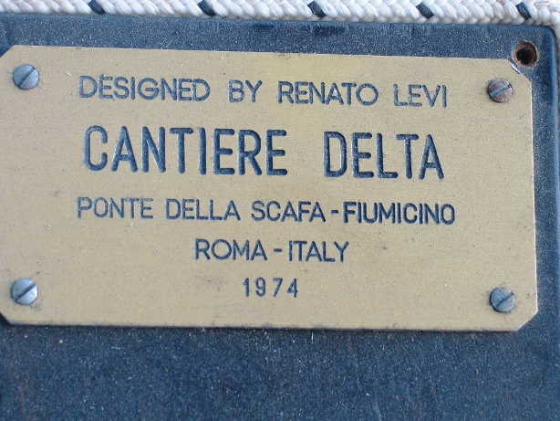 Delta 33 - Targhetta identificativa