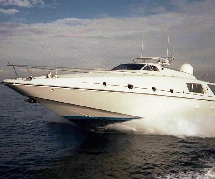 Alfamarine-Cronos-83-piedi