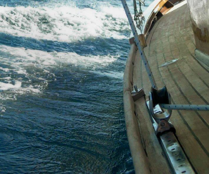 Restauro barca d'epoca Fiuit