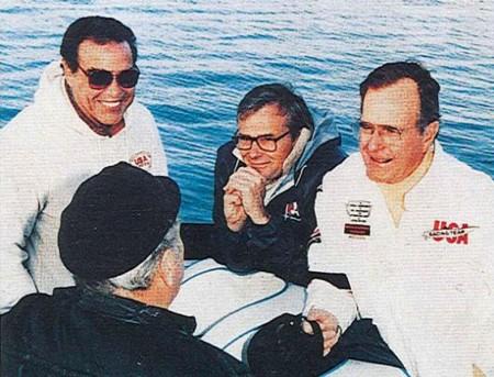 Don Aronow con Giorge Bush (padre) affezionato cliente Cigarette