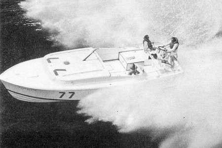Dick Bertram alla VBV del 1964 a bordo di Lucky Moppie (Foto per gentile concessione di altomareblu.com);