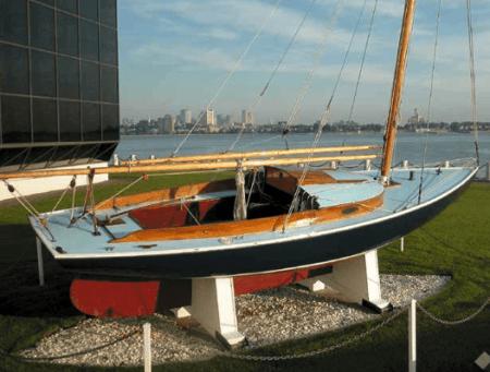 victura-boat-sail