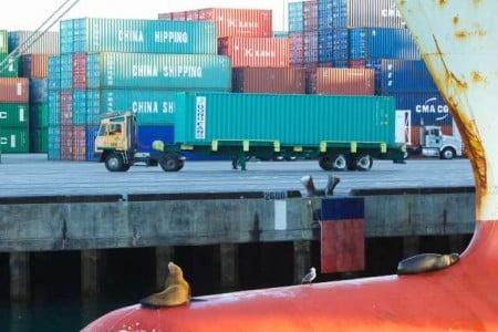 Container provenienti dalla Cina e dall'Estremo Oriente - foto Katherine Osgard
