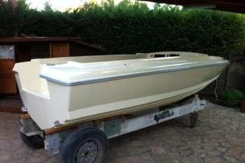 Sonny 318 scafo modificato per montaggio fuoribordo