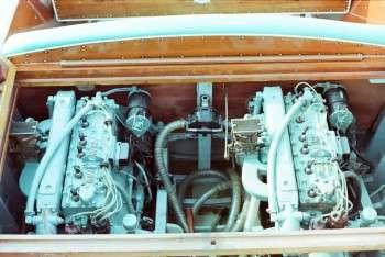 Bermuda Twin - Cantiere Posillipo vano motori