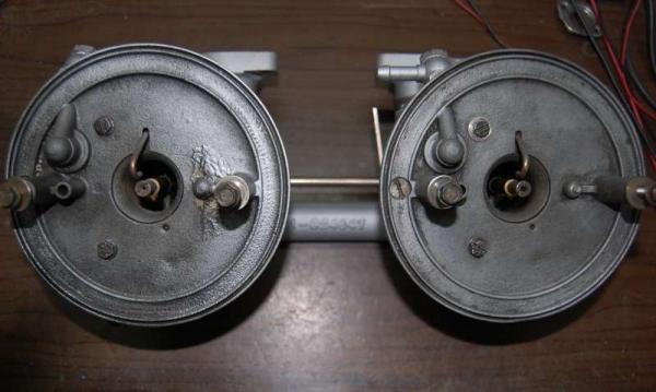 Carburatori Solex 44 - vista dall'alto