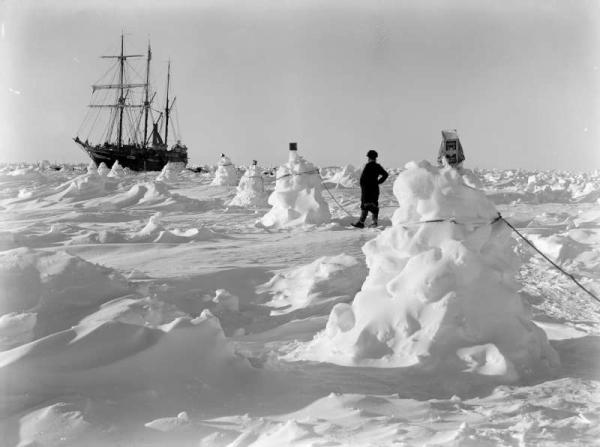 accampamento allestito sul ghiaccio - foto ottobre 1915