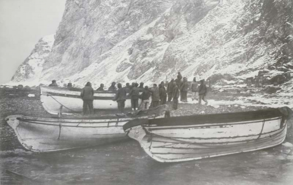 Approdo a Elephant Island il 15 aprile 1916