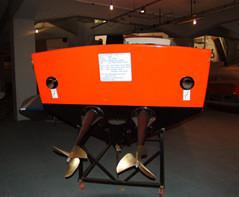 Roar piedi poppieri eliche di supeficie al Museo della Scienza e della tecnica di Milano