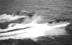 Drago V 4000 che insegue un Napoli dei contrabbandieri di bionde
