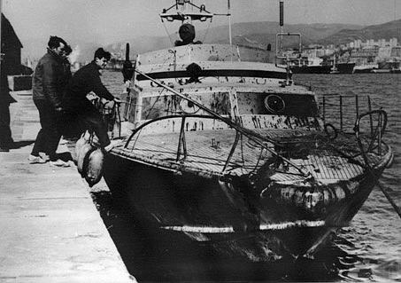 La CP 233 il giorno successivo al salvataggio dei naufraghi della London Valour