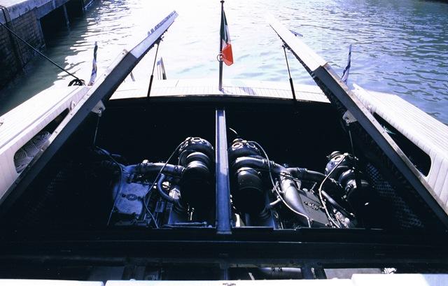 Barca Classica offshore Bango di Giorgio Tognelli
