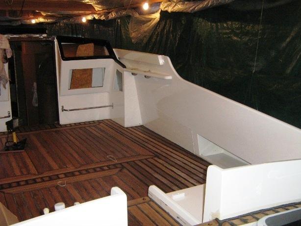Restauro ultimato del pozzetto barca Synthesis