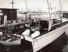 """La prima barca (da diporto) di Don Aronow: uno sportfisherman in legno con fasciame a clincker. Si chiamava """"Tainted Lady"""" (ragazza corrotta)."""
