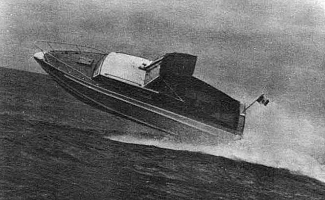 Barca Classica a motore Levi: Settimo Velo in virata