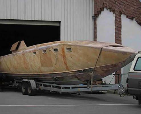 Restauro barca classica a motore Italcraft Drago. Le barche d'epoca Levi