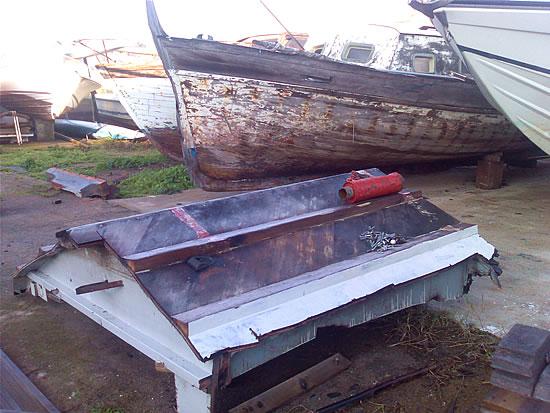 Barca d'epoca Levi demolita
