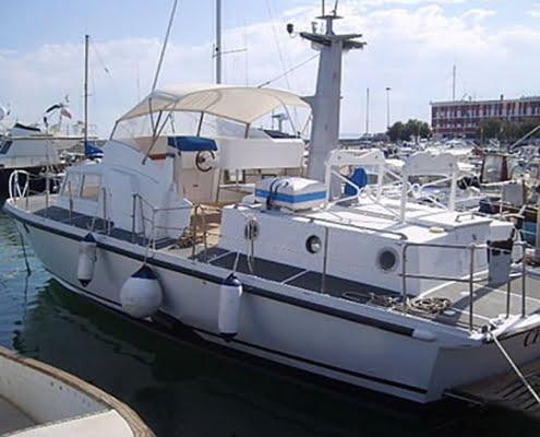 Trasformazione della CP 233 ex motovedetta a barca da diporto
