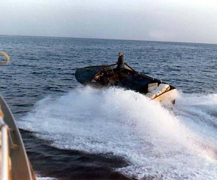 Guardia di Finanza: Brindisi anni 80, immagini e ricordi di scafi contrabbandieri e inseguimenti