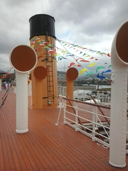 Nomadic-ponte-mniche-vento-ciminiera-2013-05-31