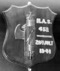 stemma-Mas-452-catturato-Malta-Museo-Guerra