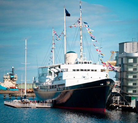 Il Britannia ormegiato ad Edimburgo è oggi uno dei più importanti esempi di nave museo