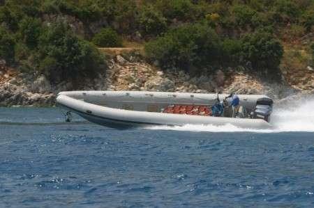 Gommone contrabbandiere albanese