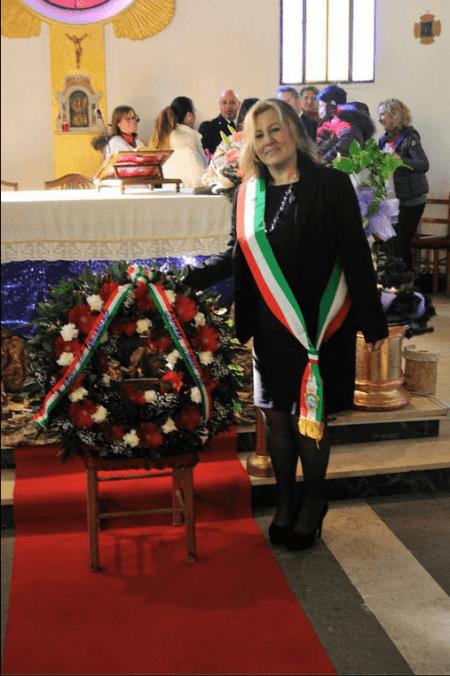 Assessore Roberta Cafà e la corona