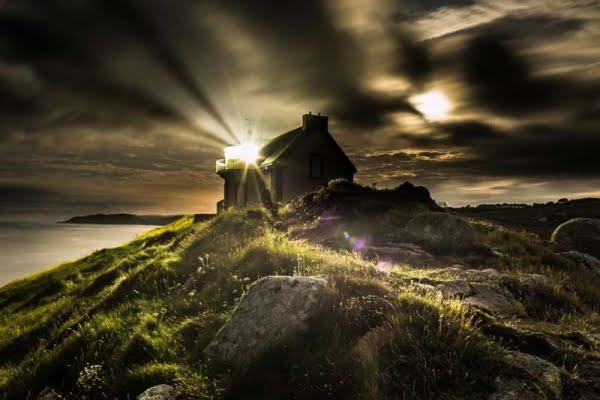 Faro di Millier vista notturna