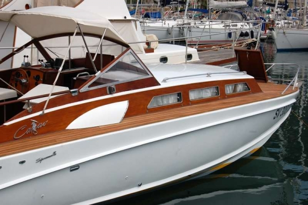 Speranzella Fujiyama-ancorata nel porto di finale Ligure prima della prova in mare del 30.06.2015