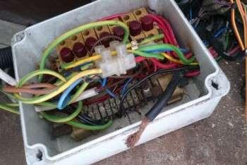 impianto elettrico smontaggio cassetta derivazione