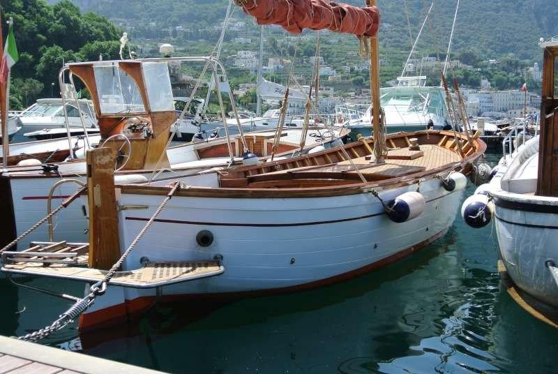 Gozzo Aprea - Vela & motore a