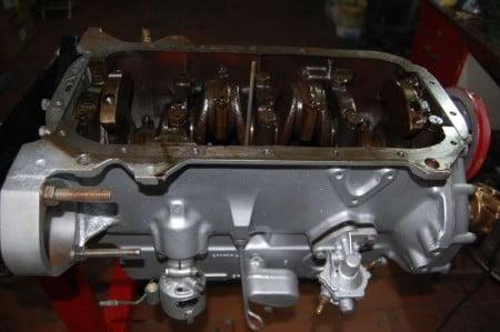 Lato inferiore basamento con parti rotanti controllate e rimontate