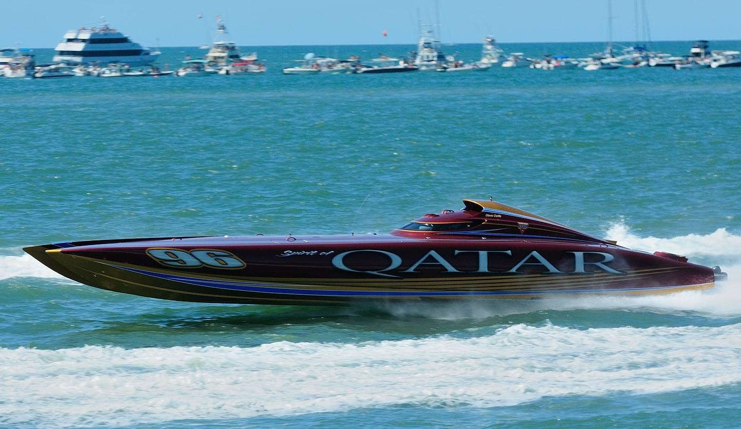 Catamarano offshore.
