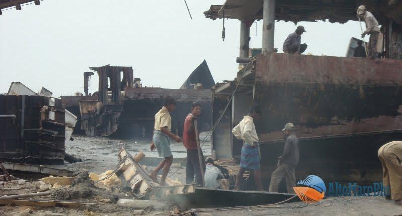 Demolizione navi India