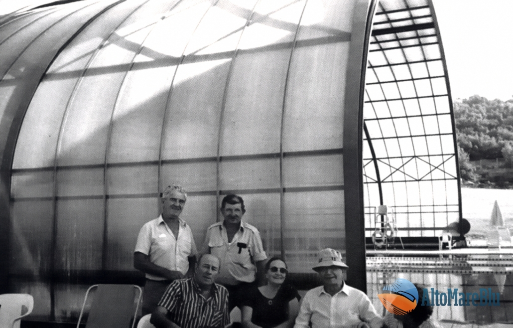 """Una sosta sulla strada per l'Alta Galilea per una visita al """"Parco industriale di Tefen""""."""