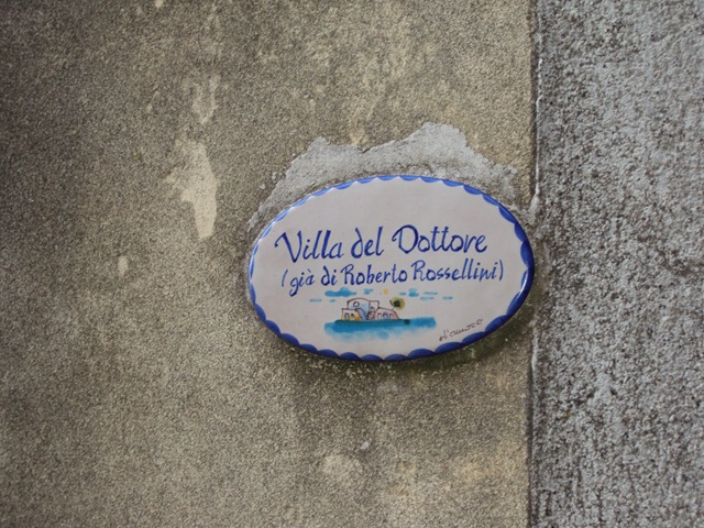 ITarga ingresso alla villa del dottore già di Roberto Rossellini
