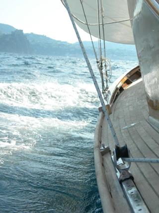Fiuit barca a vela d'epoca