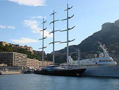 300px-MalteseFalcon_moored